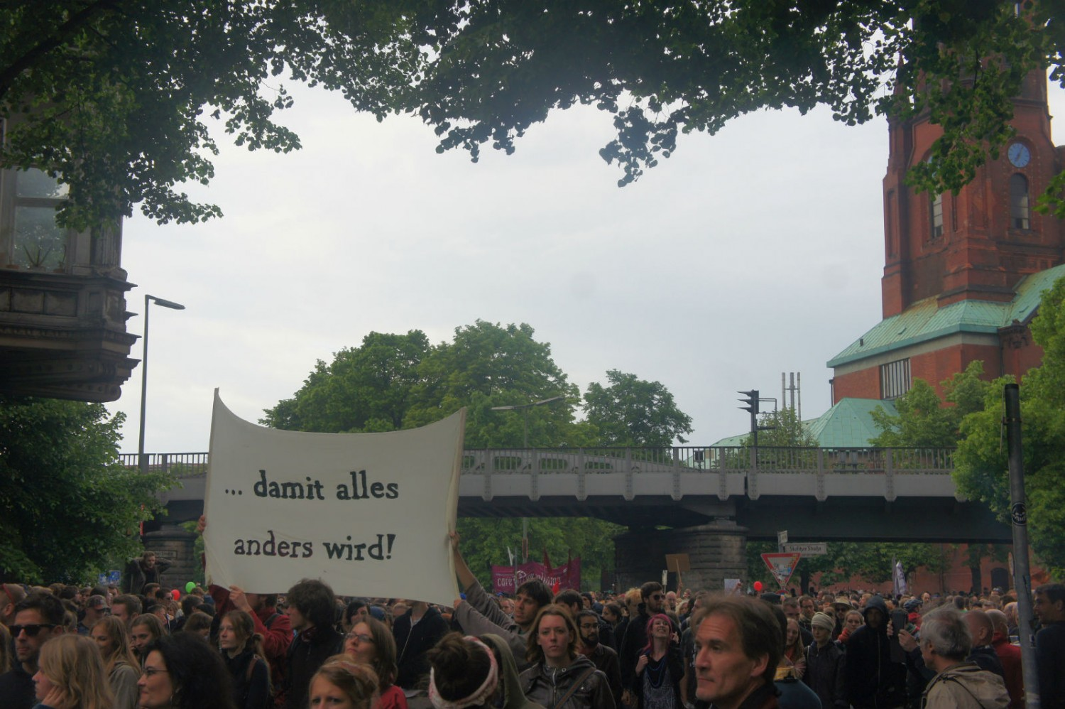 The protest sets off from Görlitzer Bahnhof