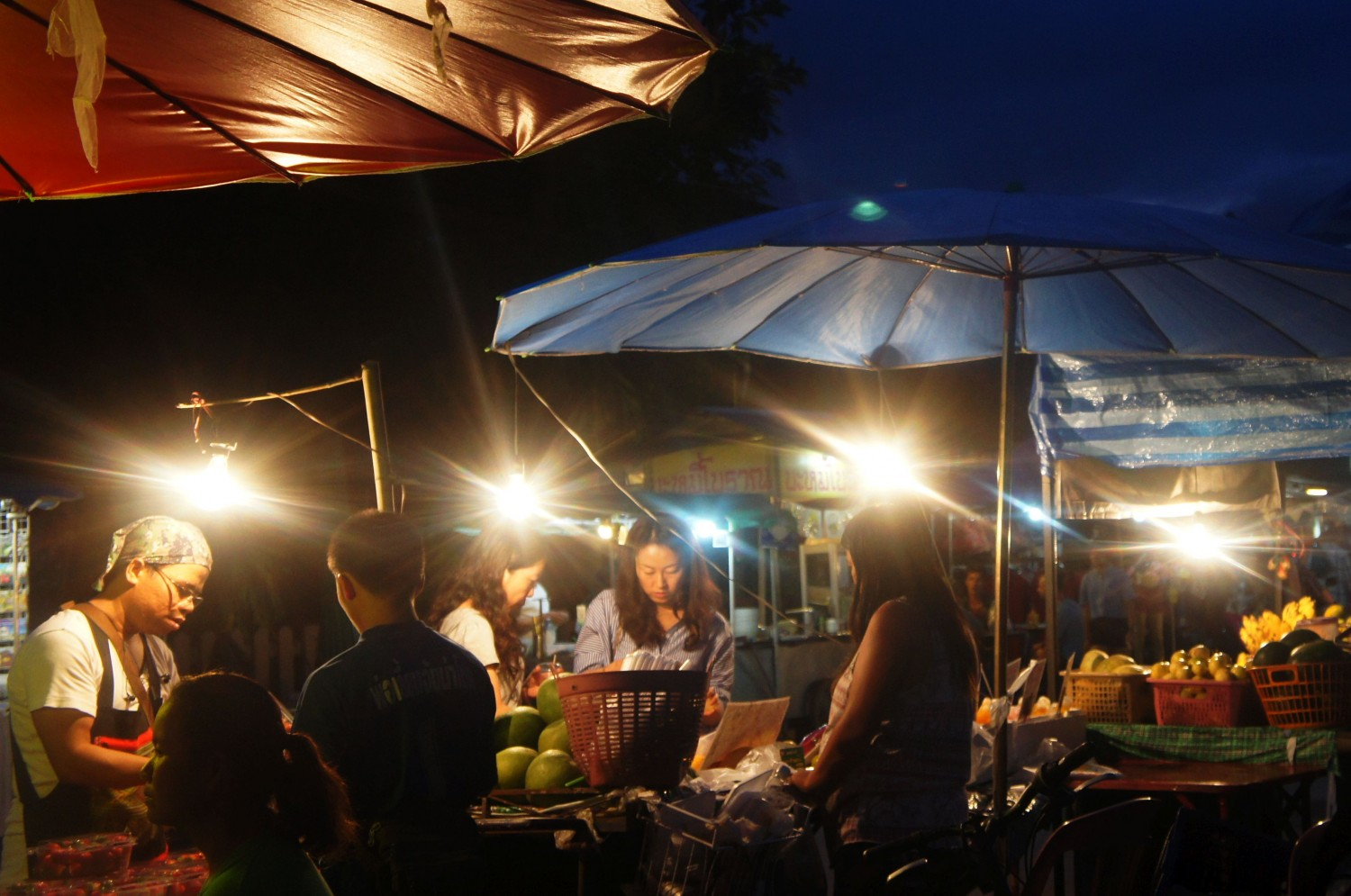 "The Thai street food question: ""To eat or not to eat?"""